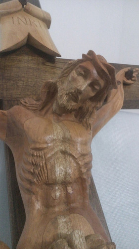 cristo tallado en madera de cedro, 2mts
