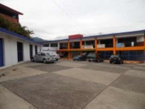 (crm-1404-1150)  plaza comercial en lomas de ahuatlán clave pv648