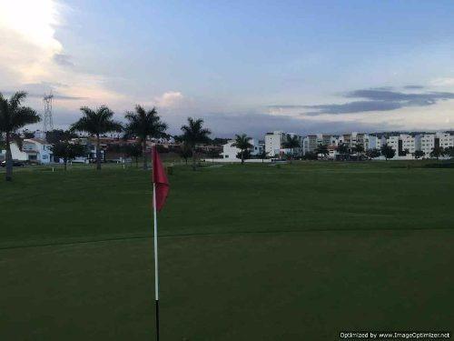 (crm-1404-1251)  terreno en el exclusivo fraccionamiento con campo de golf paraiso country club clave tt624