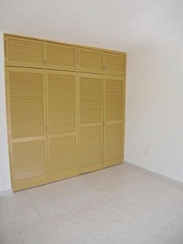 (crm-1404-1538)  amplia casa de 5 recámaras, con garage para 14 autos !! bosques del mi