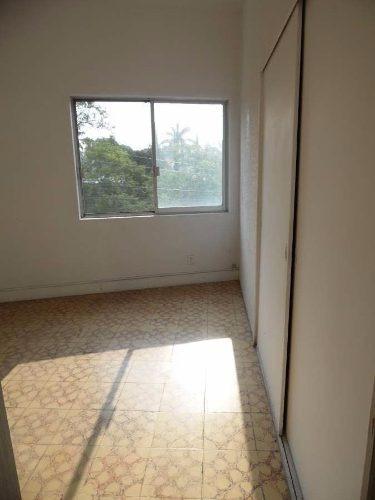 (crm-1404-2183)  renta de casa para oficinas en calle transitada, con amplio garage! co