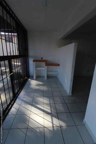 (crm-1404-2410)  se renta oficina dentro de plaza comercial en tlaltenango clave or706