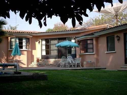 (crm-1404-342)  se vende casa de un nivel sobre calle principal ideal para negocio cla