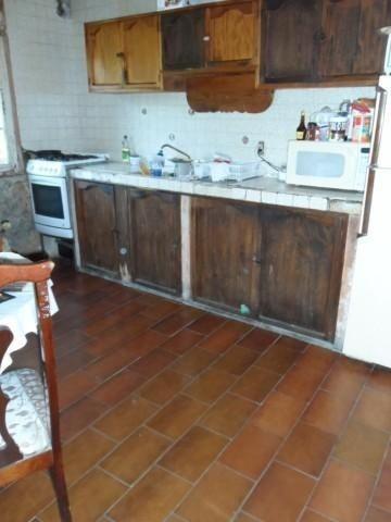 (crm-1404-446)  casa sobre calle principal se vende como terreno!!