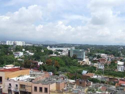 (crm-1404-542)  inigualable ubicación, edificio comercial con 6 pisos y pent house con vistas de toda la ciudad !!