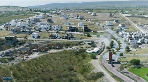 (crm-1621-1556)  gps/ terreno en venta en san isidro juriquilla qro
