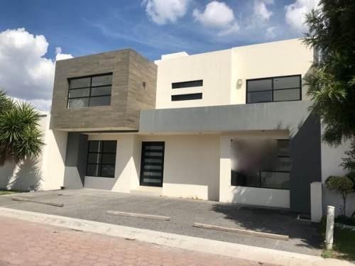 (crm-1621-1607)  kl/ casa venta en privada pueblo nuevo, corregidora. qro.