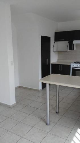 (crm-3811-174)  casa en renta en condominio vigilancia y alberca.