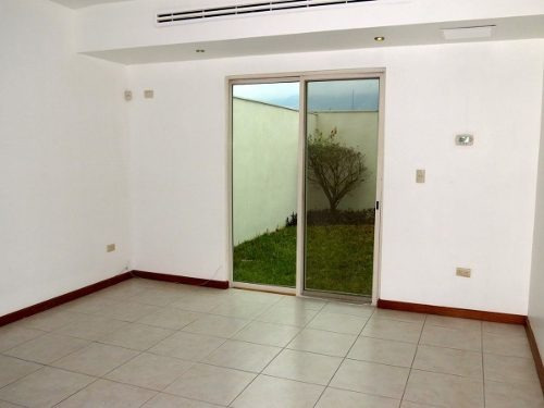 (crm-4035-1258)  casa - venta - santa catarina - rincón de las huertas