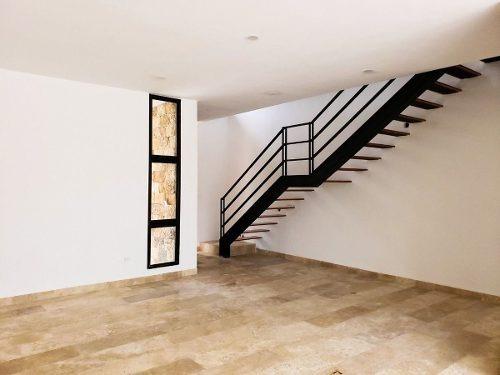 (crm-4184-1460)  casa en venta, en merida en novara temozon