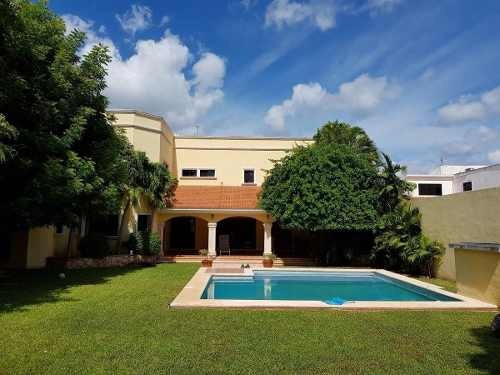 (crm-4184-1591)  casa en venta en merida, benito juarez norte. ¡4 habits y 1,000 m2!