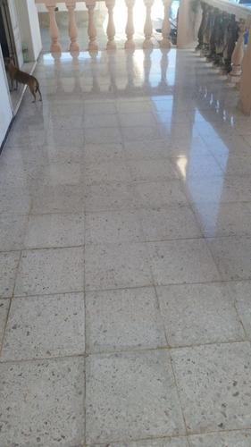 (crm-4184-2360)  casa sobre avenida de macroplaza ideal para negocio