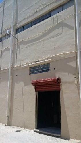 (crm-4184-2378)  edificio de 3 plantas en renta, col. centro