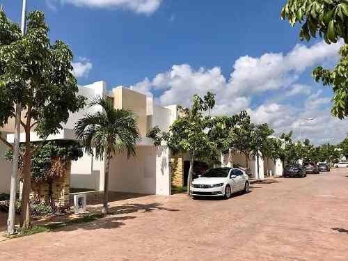 (crm-4184-2482)  casa en venta en merida, privada residencial campo cielo.