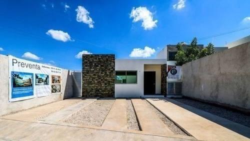 (crm-4184-2491)  casa en venta en merida, santa rita cholul es casa de un piso.