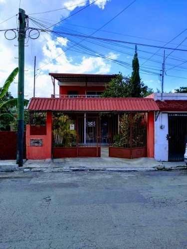 (crm-4184-2506)  casa en venta en el centro de merida, con piscina