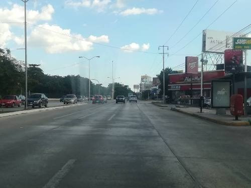 (crm-4184-2579)  local en renta en merida, en avenida campestre- mucho tráfico