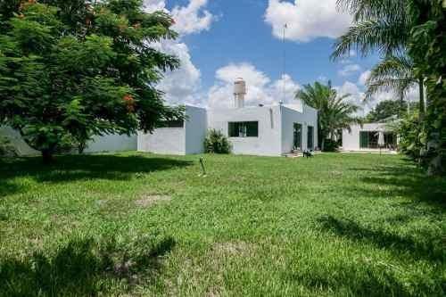 (crm-4184-2712)  casa en venta en merida, cholul. ¡espectacular, única de un solo piso!