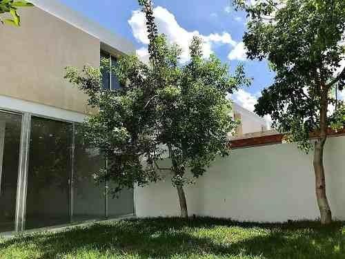 (crm-4184-635)  casa en venta en merida, privada residencial campo cielo.