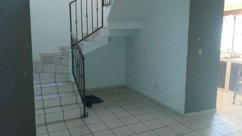 (crm-431-2621)  venta casa villas premier apodaca