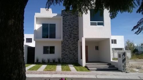 (crm-4446-130)  venta de linda casa nueva en hacienda santa fe