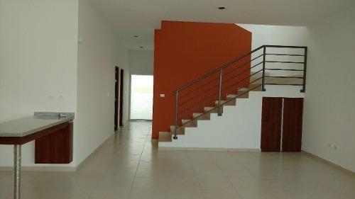 (crm-4446-92)  casa en venta en real de juriquilla