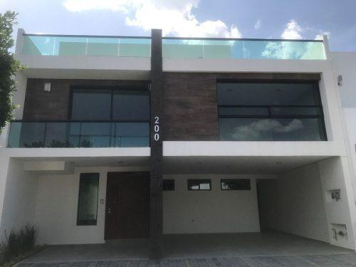 (crm-5081-187)  casa en venta en cluster 888, lomas de angelopolis
