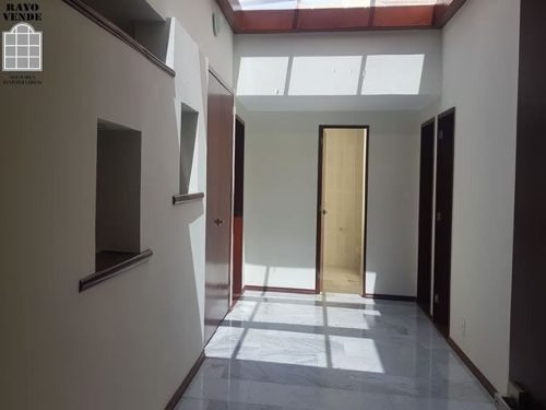(crm-5206-1067)  casa con vigilancia en renta pedregal