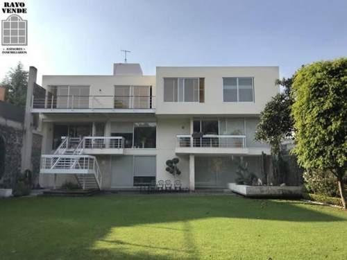 (crm-5206-416)  casa en venta pedregal con gran jardin y alberca