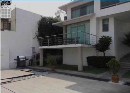 (crm-5206-495)  hermosa casa en calle cerrada con estricta vigilancia las 24 horas