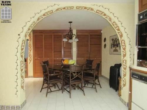 (crm-5206-520)  hermosa casa colonial, muy bien ubicada