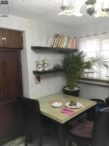 (crm-5206-550)  estupenda casa en calle cerrada con portón eléctrico