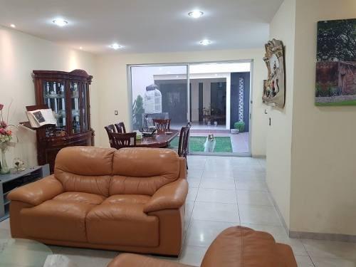 (crm-5268-210)  casa en venta - punta del este león gto, frente área verde_