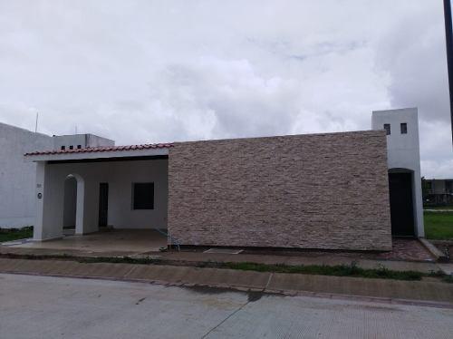 (crm-5268-331)  casa en venta de una planta en el mayorazgo, león, gto
