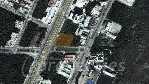 (crm-60-416)  terreno sobre la avenida tulum con avenida banco chinchorro s.m. 9