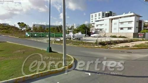 (crm-60-424)  terreno sobre la avenida bonampak con avenida banco chinchorro s.m. 9