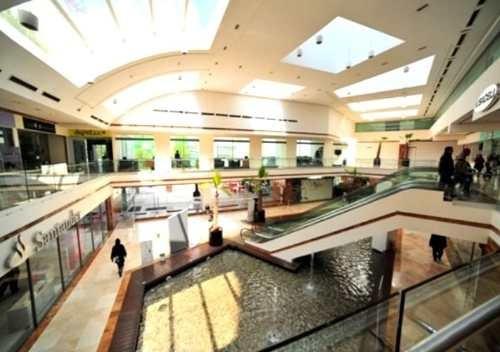 (crm-758-2800)  renta de locales comerciales en plaza victoria, interlomas, huixq.