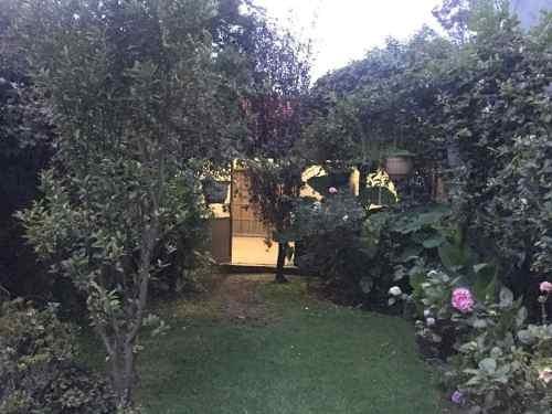 (crm-758-4344)  casa en renta en tecamachalco de 4 recamaras y jardín, naucalpan