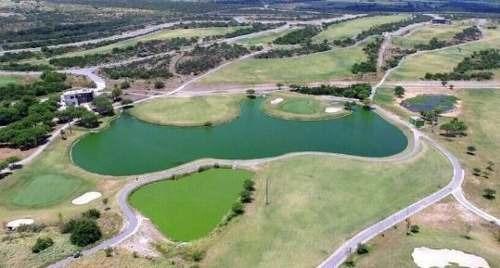 (crm-989-1098)  (mvo) venta de terreno en fracc. las aves residencial & golf resort