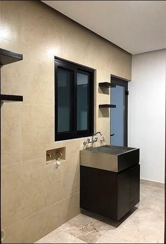 (crm-989-1119)  (vsc) casa en venta con acabados de lujo en privanzas/ zona valle