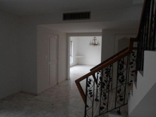 (crm-989-1141)  casa en venta en contry totalmente remodelada al sur de la ciudad