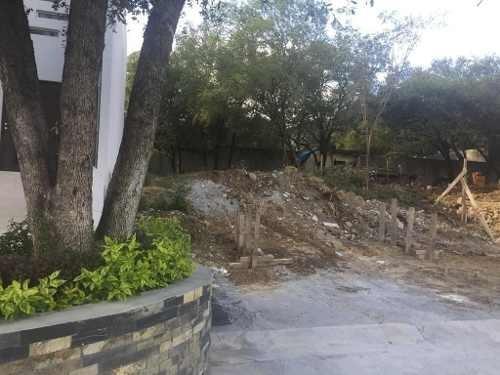 (crm-989-1172)  terreno en venta en fracc. catujanes - zona carretera nacional (ljgc)