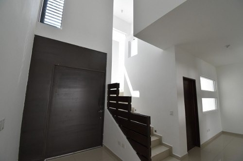 (crm-989-1176)  casa en venta en fracc. la joya . priv. calandria - carr. nal. (ljgc)