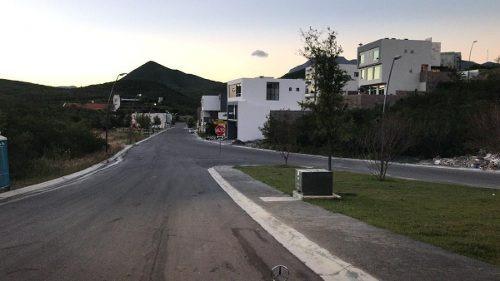 (crm-989-1192)  terren en venta en carolco carretera nac (ljgc)