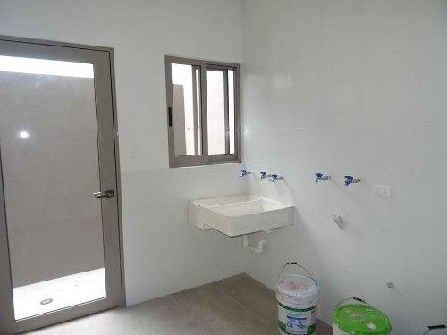 (crm-989-733)  (acc) excelente casa nueva con acabados de lujo lista para estrenarse.