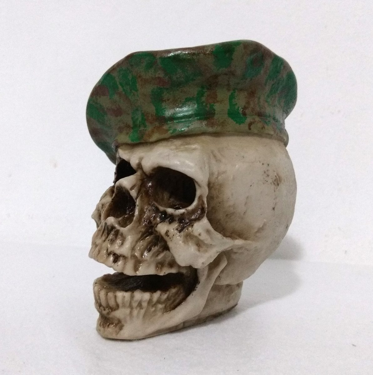 crânio boina verde camuflagem - caveira - esqueleto. Carregando zoom. e7ac7af5ae2