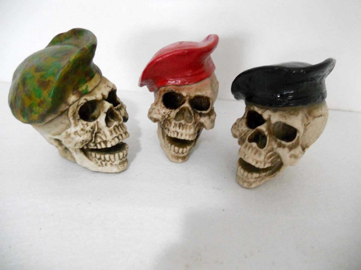 55d3fc29524ea crânio boina verde + preta + vermelha - kit com 3 - caveira. Carregando  zoom.