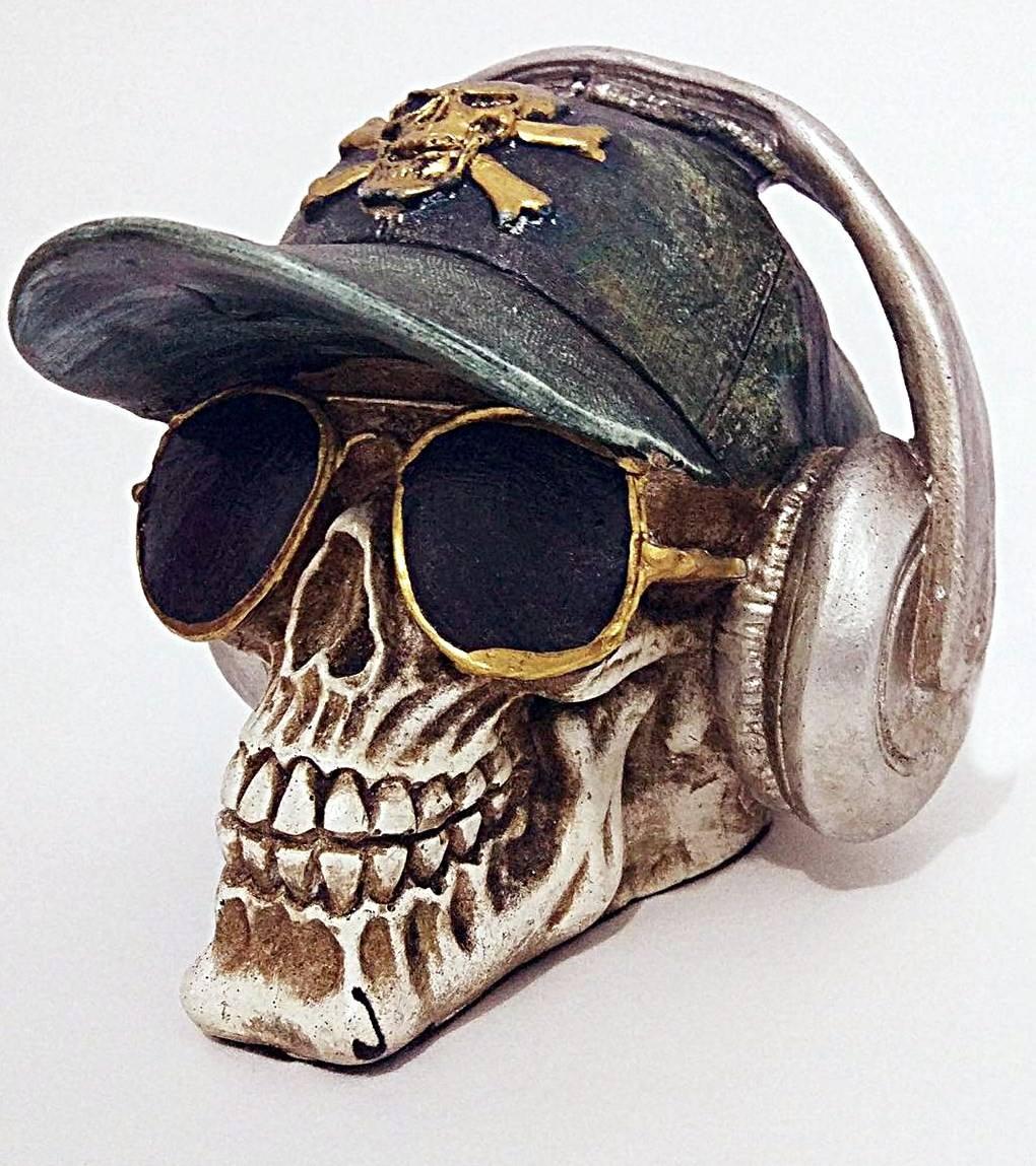 Crânio Caveira Com Rayban Fone De Ouvido Boné Óculos Gesso - R  29 . 38ccd1a576