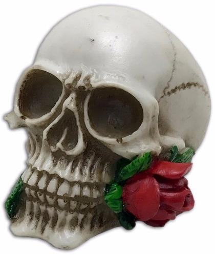 crânio caveira com rosa na boca vermelha resina decorativo