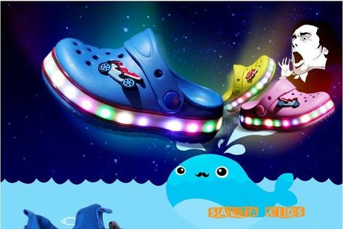 crocs con luces led para niños! (por encargue)